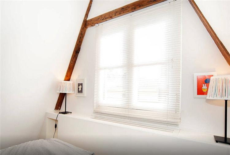 简洁线条,白色墙壁,18世纪木梁,硬木地板=?打开脑洞