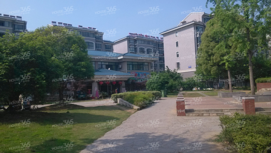 海都嘉园1室2厅2卫27平米简装产权房2008年建