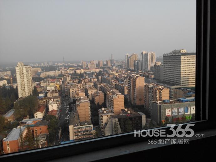 珠江路成贤街沙塘园7号2室1厅1卫65�O整租精装