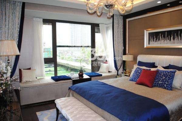 绿地西水东中央生活区188平样板间卧室