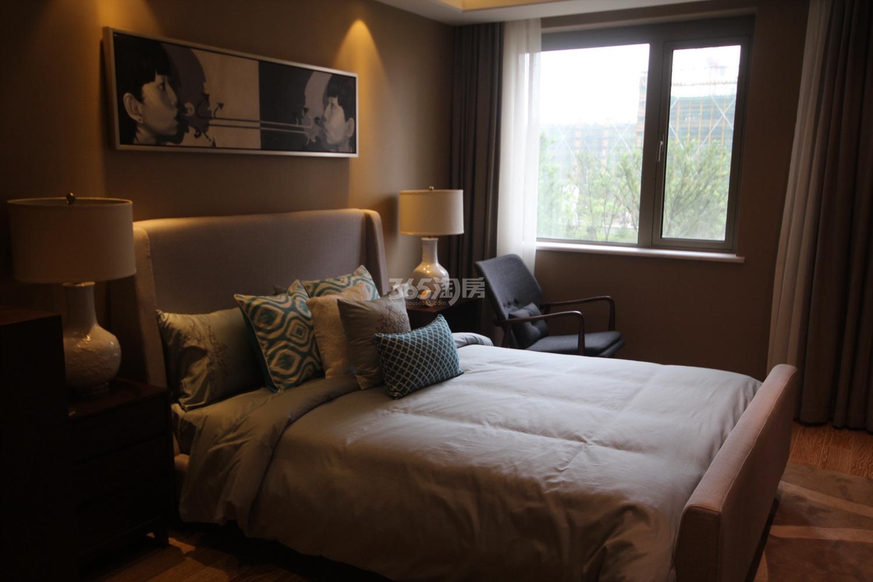 阳光郡项目130方样板房--卧室