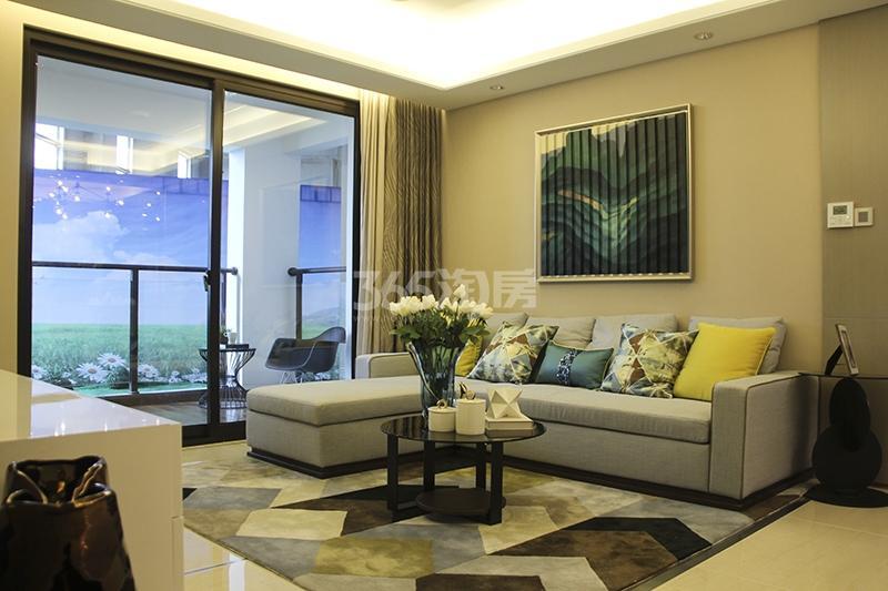 苏宁悦城三期121平样板间客厅