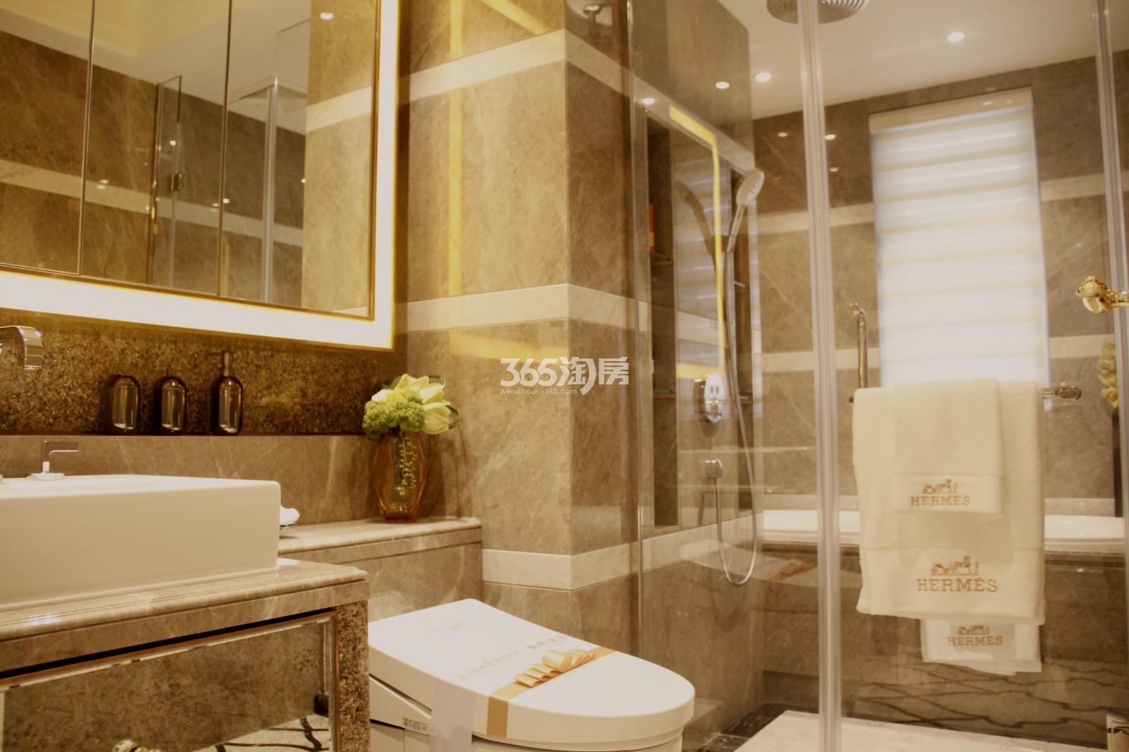 滨江保利翡翠海岸A1户型(131㎡)样板房---卫浴间