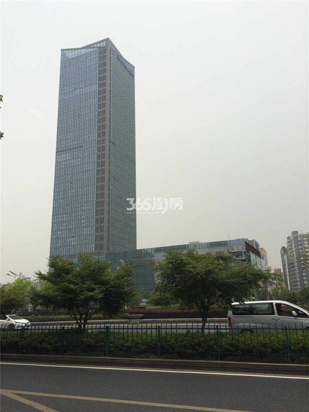 清江苏宁广场实景图
