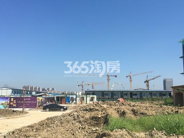 恒大观澜府项目工地实景图(2017.9 摄)