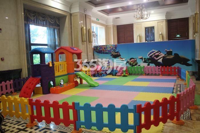 德杰国际城售楼部儿童游玩区域实景(2017.10.9)
