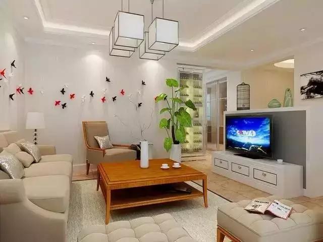 电视背景墙主要是指客厅、卧室里面能反映装修风格的一面主墙,一般电视摆放的位置也是这个屋子里面的视觉中心,最具特色的一个地方,是进门后的视觉焦点。轻装修,重装饰,在这样的愿求下墙体彩绘出现了,深受80后年轻一代的追捧。  一种颜色、一种形状,就能缔造一种简约格调,胜过各种繁复的点缀。
