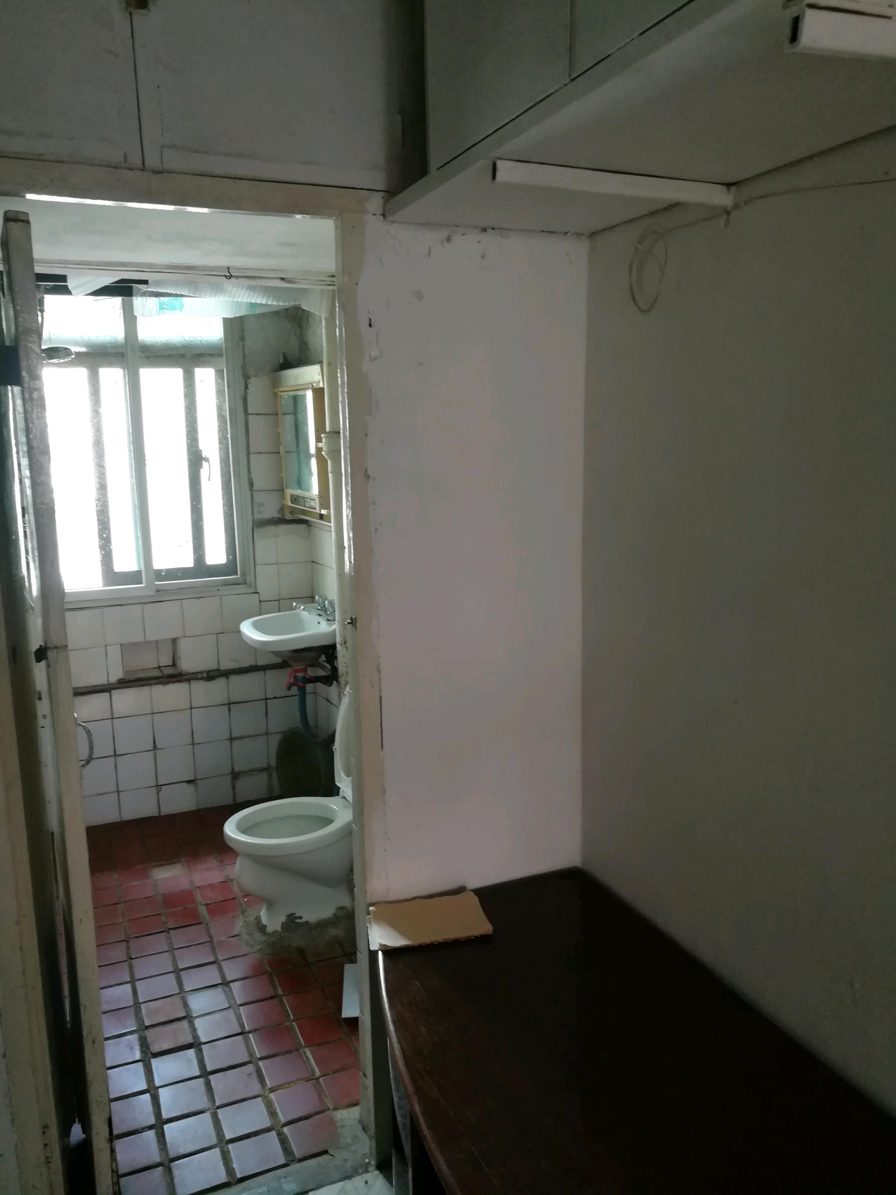 华侨路小区1室1厅1卫40平米